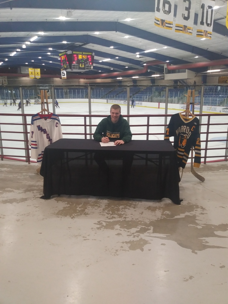 Grant Slukynsky signs National Letter of Intent